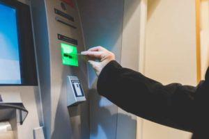 Eine einfache Transaktion: Geld abheben