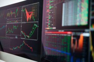 Bei der offenen Selbstfinanzierung spielen Aktien eine Rolle.